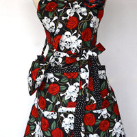 Red Rose Skull And Bones  - Womens Apron - Cell Phone Lipstick Bag Included