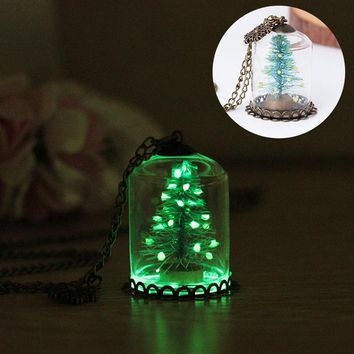 Fashion Luminous Christmas Tree Seat Glass Bottle Pendant Necklace Christmas Gift Glow in the Dark Jewelry Accessories