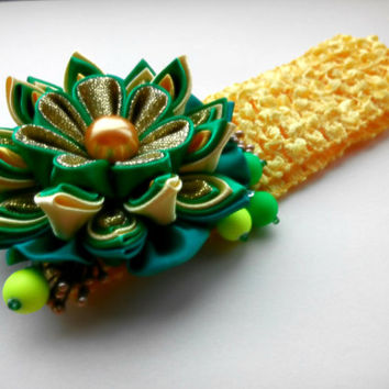 Baby Green Headband, Flower Head Band, Baby Girl Hair Accessory. Kanzashi fabric flowers.