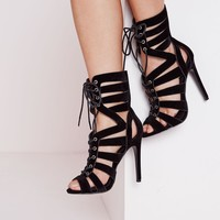 STRAPPY DETAIL HEELED SANDALS BLACK