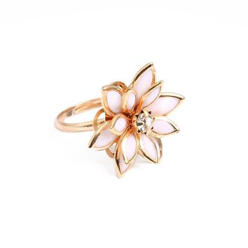Top Quality Black White Camellia Ring Rose Gold Color Austrian Crystals Wedding Party Ring For Women anillos snow lotus ring