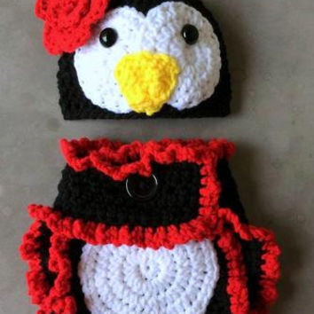 Crochet Penguin - Baby set - Photo Prop - Hat - Diaper Cover - Made with an Adjustable Waist - MADE TO ORDER - Halloween -Choice of Color