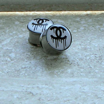 """Dripping Chanel / Bleeding Chanel Plugs - One PAIR - Sizes 2g, 0g, 00g, 7/16"""", 1/2"""", 9/16"""", 5/8"""", 3/4"""", 7/8"""", 1""""- Made To Order"""