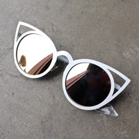 luna australia - alice white cat eye sunglasses with rose gold mirror lens