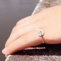 925 Silver Leaf Crystal Ring from LOOBACK FASHION STORE
