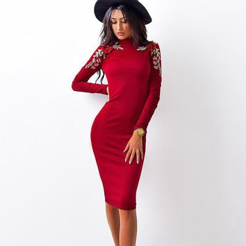 Flower Applique Long Sleeves Scoop Knee-length Dress