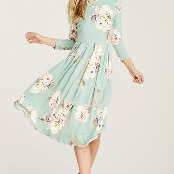 Floral Flowing Midi Dress w/ Pleats