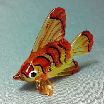 Hand Blown Glass Exotic Fish Sea Animal Cute Yellow Orange Red Stripes Figurine Statue Decoration Collectible Small Tiny Craft Hand Painted