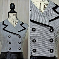 80s crop top / M / Tuxedo style /  vintage houndstooth / double breasted / La Belle / sleeveless / black white top
