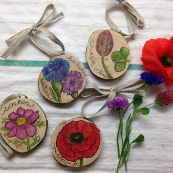 Wildflower Wood Slices (Set of 4) / Tree Slice / Country Cottage / Garden Gardening Florist Floral Flowers Illustration / Gift for her