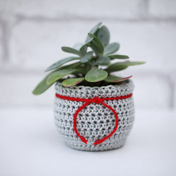 Flower Pot Cozy, Christmas Planter, Succulent Plant Cozy Decorative Container Fabric Home Decor crochet ornament Light Gray and Red Planter