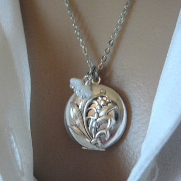 Lily of the Valley, LOCKET, Silver Locket Necklace,Mother's Day Gifts,Lily Bouquet,Lily of the Valley Jewelry,Bridesmaid Gifts,Flower Locket