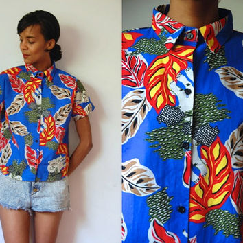 Vtg Elephants Jungle Print Blue Red Yellow SS Button Up Collar Shirt