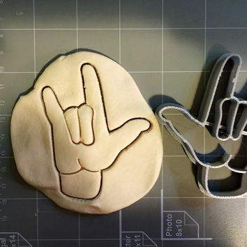 Hook Em Horns Cookie Cutter