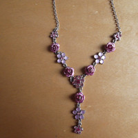 Chain necklace with pink roses and flowers - birthday/anniversary/engagement/I love you gift - vintage - great condition