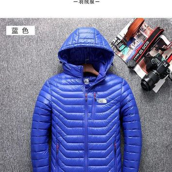 DCCKBWS The North Face Mens New Jackets
