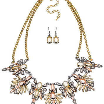 Audrina Metallic Necklace Set in Gold