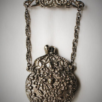 Vintage Art Noveau Art Deco Locket Brooch Purse Design In Silver Tone