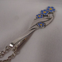 Incredibly Pretty Spoon Handle Necklace Pendant With Forget Me Not Flowers on a Thin Chain tb23