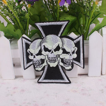 1PCS Punk Rock Iron On Patches Star Letter Skull Patch Biker Cheap Embroidered Patches For Clothes Stickers Garment DIY Applique
