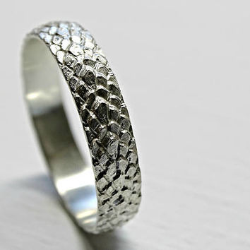 dragon scale ring silver feather ring, medieval wedding band, pagan wedding ring, snake skin ring band silver dragon ring, dragon jewelry