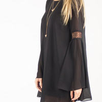 Flowy Bell Sleeve Backless Dress - Black - Small