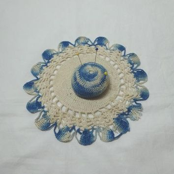 1950s Vintage Hand Crocheted Lace Pin Cushion in Blue & White, Hat Shape, Vintage Pin Cushion, Home Sewing Notion, Vintage Sewing Decor