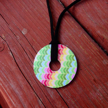 Beautiful Upcycled Pendant Necklace - Abstract Pattern Multicolor Arrows - Lariat - Washer Necklace - Decoupage - Suede cord - No clasp