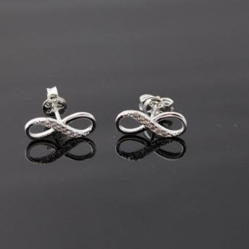Infinite stud earrings in silver by bythecoco on Zibbet
