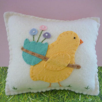 Felt Pillow Easter Chick With Egg Appliqued