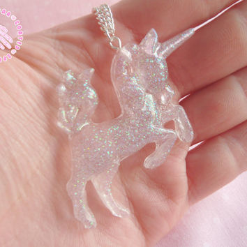 Transparent glitter unicorn necklace