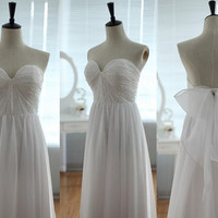 Vintage Inspired Lace Chiffon Wedding Dress Strapless by wonderxue