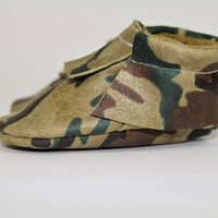 baby boy camo moccasins,  military Camouflage newborn moccasins, leather moccasins, army baby shoes, soft sole shoes, baby shoes