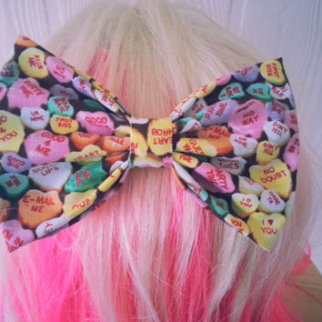 Hair Bow / conversation hearts hair bow / Valentines day hair bow / Heart hair clip / Kawaii hair bow / Kawaii hair clip / heart bow