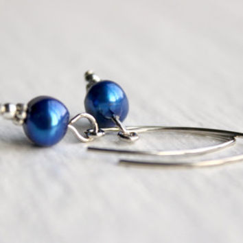 Royal Blue Freshwater Pearl Dangle Earrings in Silver - Handmade Earrings - Wedding Jewelry - Ready to Ship
