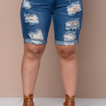 Bermuda Destroyed Denim Shorts+(PLUS)