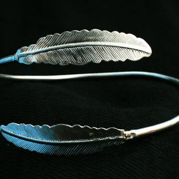 Textured Leaf coiled silver coated Indian armlet, gypsy armlet,tribal,upper arm cuff, metal engraved design