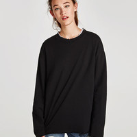 SWEATSHIRT WITH PIPED COLLAR DETAILS