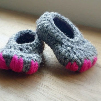 Crochet Baby Slipper, Newborn Girl Shoes, Infant Shoes, Crib shoes, Monster Feet, Baby Shower Gift, Dinosaur Slippers, Crochet Baby Shoes