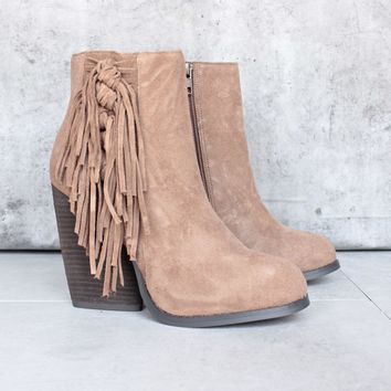Very Volatile   Dreamcatch Light Brown Suede Fringe Bootie (women)