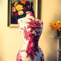 Vintage Style Wasp Waisted Corset Dressform