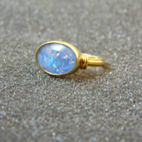 Stunning 18k yellow gold ring- Australian opal and 18k gold women's ring- Gold engagement ring- Bridal gold ring-Artisn jewelry