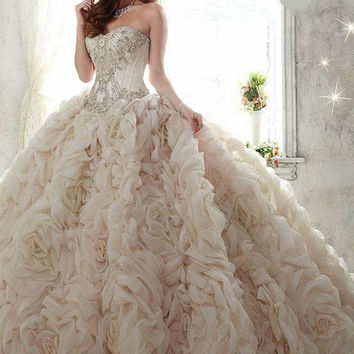 2017 Royal Luxury Organza Long Quinceanera Dresses  Sweetheart  Appliques Ball Gown Lace up Party Dress Debutante Gowns