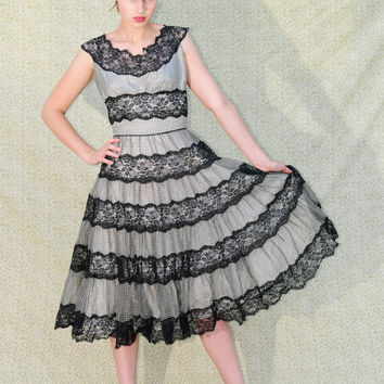 1950's Gorgeous Goth Rockabilly Vintage black and white gingham and black lace prom dress
