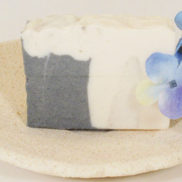 Charcoal soap, natural soap, treat acne soap, handmade soap, tea tree essential oil, detox soap, facial soap, unisex soap, acne soap, soap