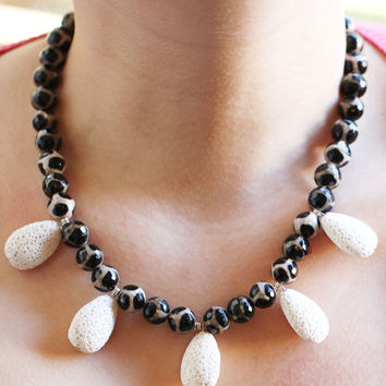 Black and White Necklace - Agates and Volcanic Lava Necklace - Gemstone Necklace - Sterling Silver Necklace - Volcanic Lava Beads Necklace