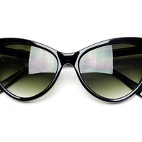 Tip Pointed Cat Eye Sunglasses (Black):Amazon:Clothing