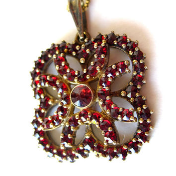 Vintage Garnet and Sterling Silver Bohemian Necklace / Vintage Jewelry / Estate Jewelry