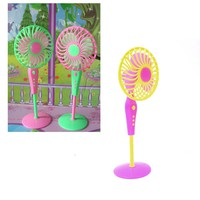Cute Mechanical Fan Toys for Barbies Classic Kids Play House Toys Doll Accessories Random Color