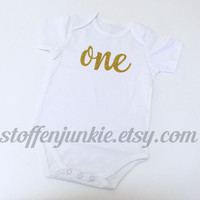 In Europe, Fast Shipping, First Birthday Bodysuit, 1st Birthday Bodysuit, Gold Glitter One, Girls Bodysuit,12 months Birthday Girls Outfit